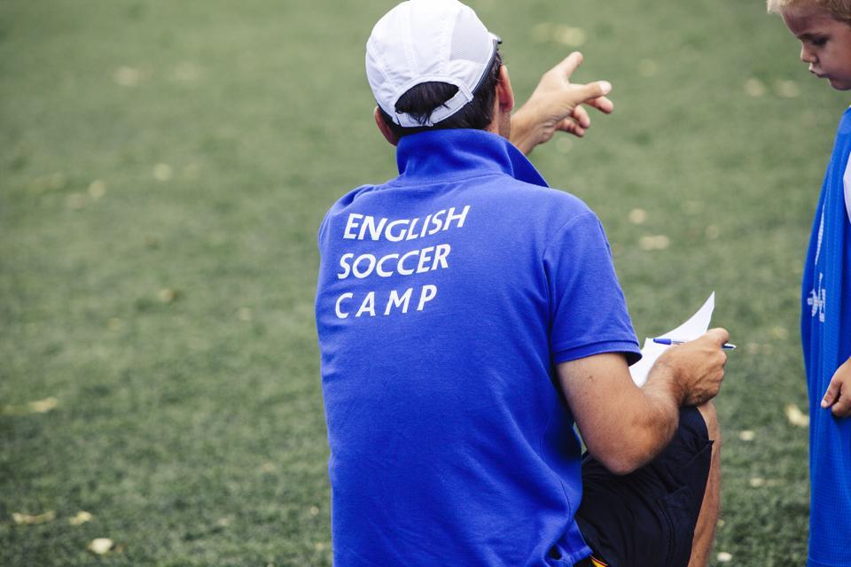 Campamento de fútbol en inglés
